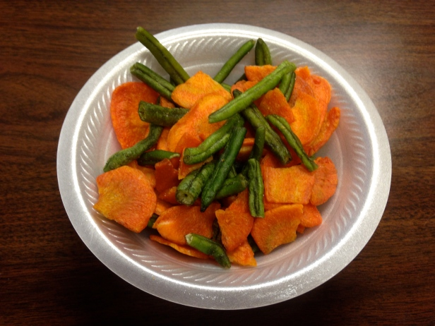 Green beans and carrot chips